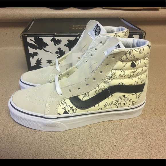 82e090586a New Disney X Vans 101 Dalmatians Sk8 Hi Women s 5